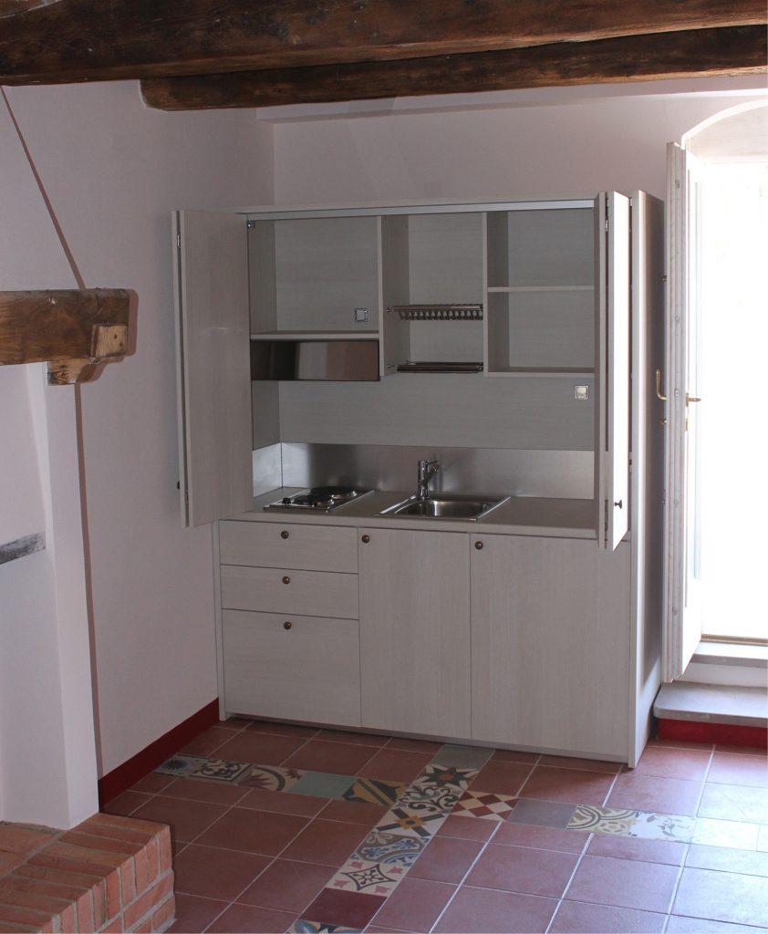 Mini cucine monoblocco a scomparsa progettate per piccoli spazi - Cucine angolari piccole dimensioni ...