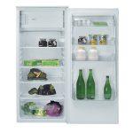 Frigo congelatore – con cella freezer - capacità lorda 205 lt - volume frigo netto:lt 182 – volume congelatore netto: lt 18 – Classe di efficienza energetica: A+ - Rumorosità: 43 db – Raffreddamento: statico – Consumo energetico totale annuo: 204 kWh - porta reversibile pannellabile – 3 ripiani in vetro regolabili – 1 cassetto porta verdure in metacrilato trasparente – luce interna